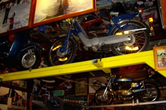 motor-bikes-as-decoration