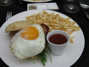 nest-wagyu-beef-burger- Hotel Nest