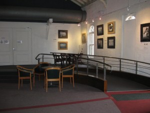 gallery-foyer-gasworks-theatre