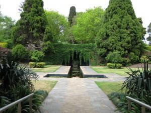 Pioneer-Women's-garden