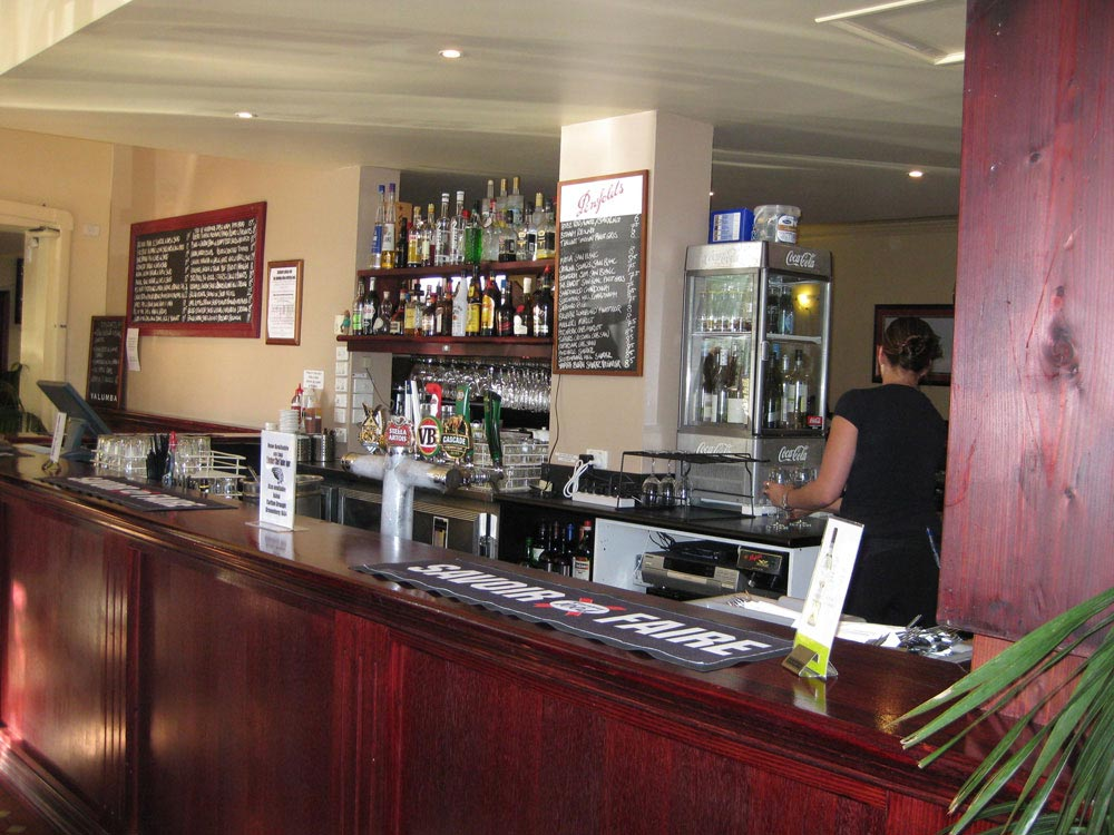 The-Albion-Hotel-Bar