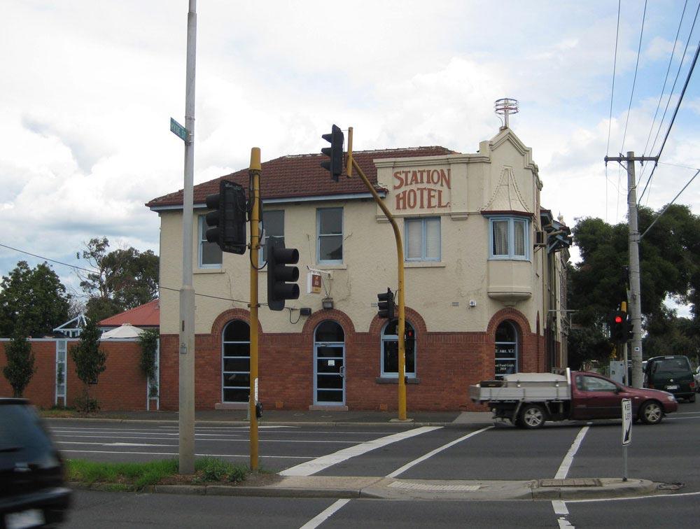Station-Hotel-footscray