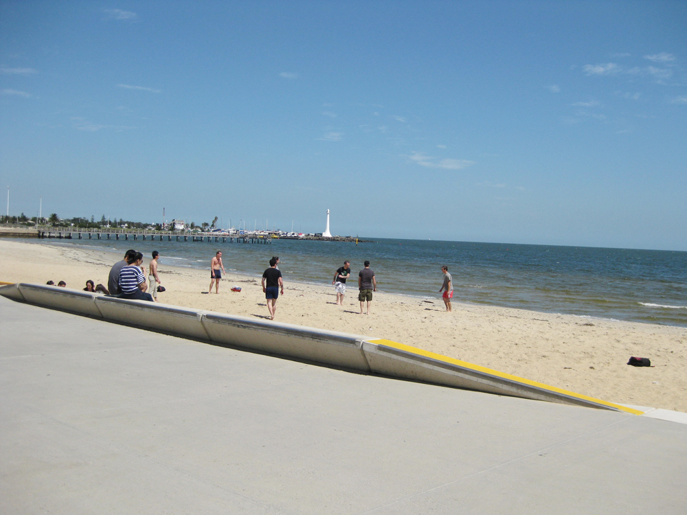 how to get to st kilda beach