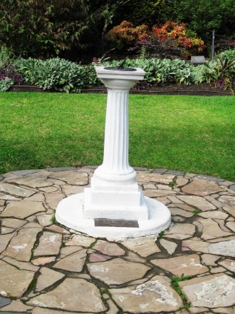 sundial-womens-garden1