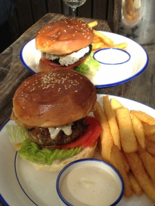 Taphouse-3-beer-beef-burger