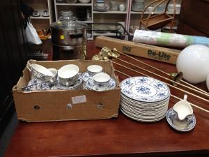 Blue-dinner-set